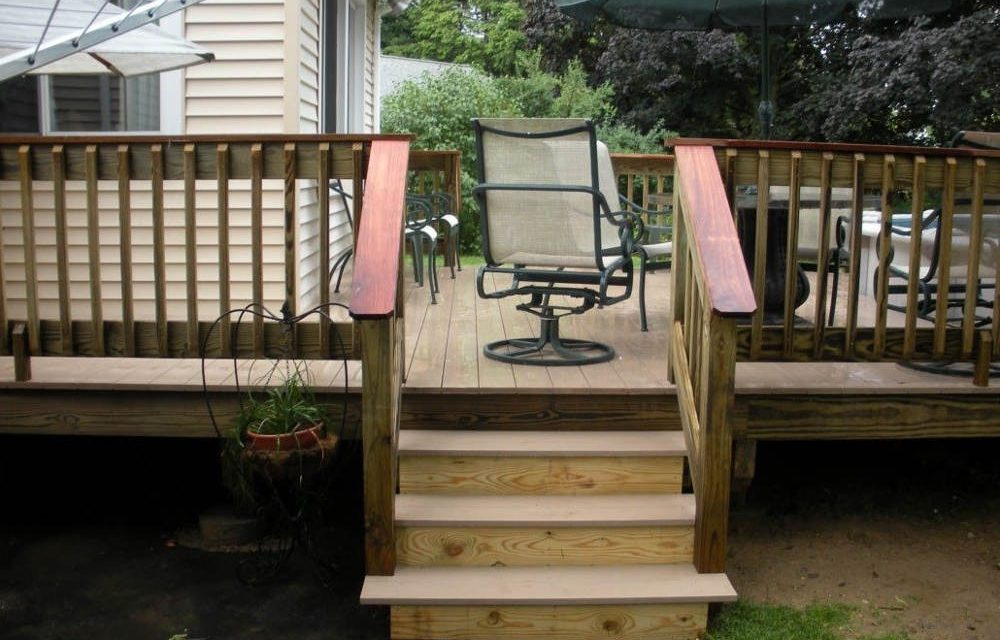 https://www.solidstateconstruction.com/wp-content/uploads/2021/05/how-to-maintain-a-wood-deck-1000x640.jpg