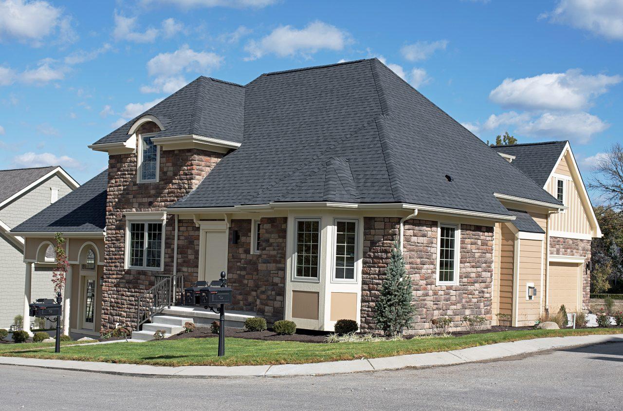 https://www.solidstateconstruction.com/wp-content/uploads/2021/09/asphalt-shingle-roof-MA-solid-state-construction-1280x844.jpg